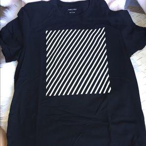 Two Men's T-shirt's B9